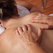Masaje de espalda y cervicales